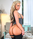 Pic of Phoenix Marie in bigtitcreampie episode: Sexthlete W/ Phoenix Marie