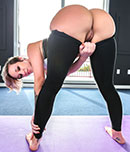 Pic of Jada Stevens in assparade episode: Two amazing asses both get drilled on the field