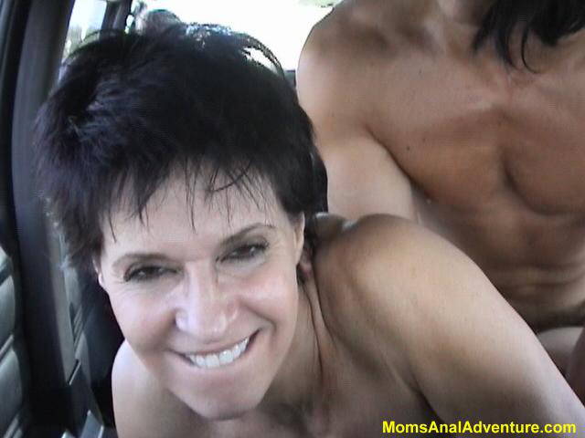 Lesbian milf seduces daughters friend video