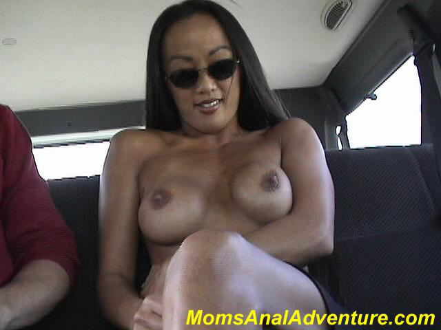 Moms anal adventure kobi