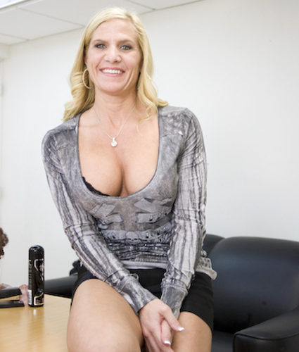 Порно с милф лики вики — img 4